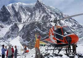 Everest Trekking by helicopter